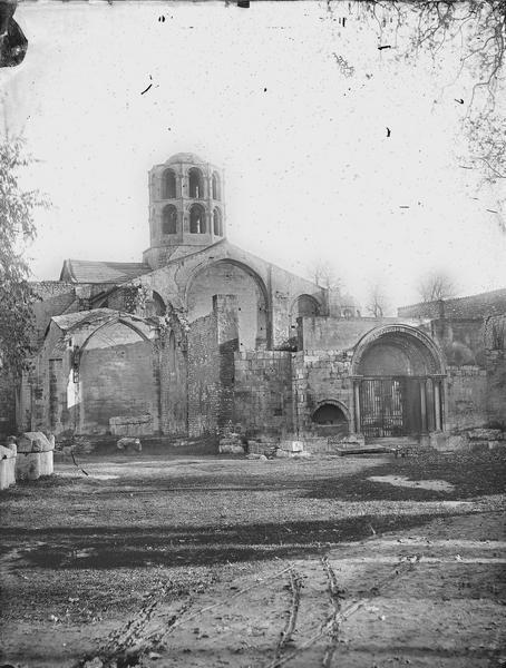 Vue de l'église Saint-Honorat