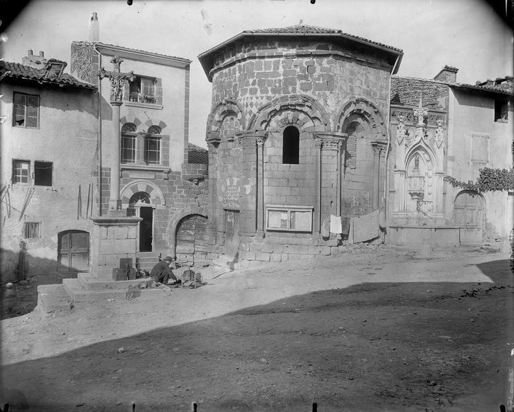 Vue extérieure; chapelle funéraire de l'ancien hôpital Saint-Nicolas