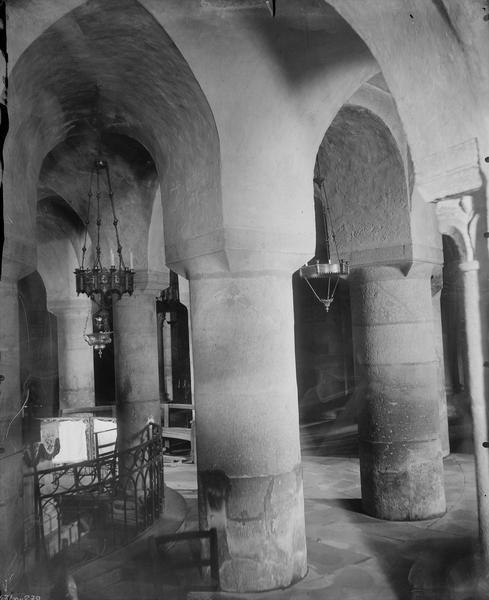 Crypte, intérieur
