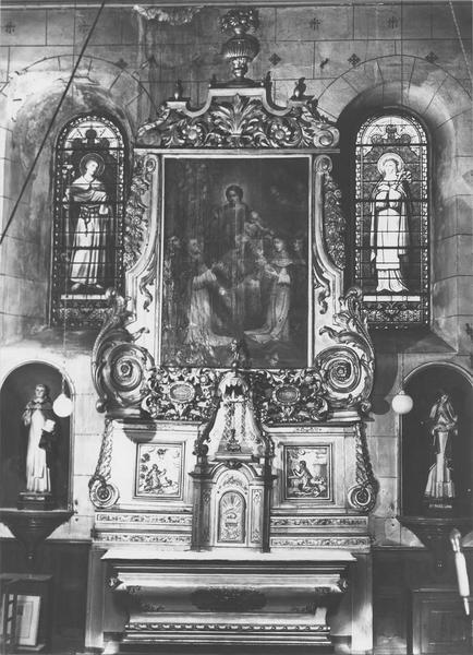 Autel, tabernacle, retable, tableau : le rosaire