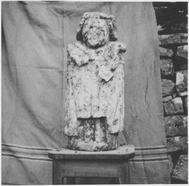 Statue : dieu au maillet, vue générale