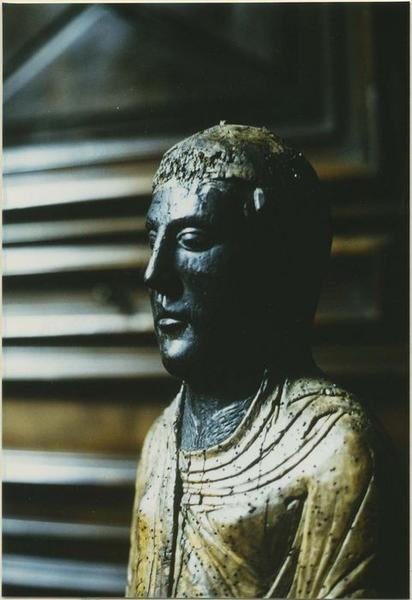 Statue : Vierge en majesté, détail