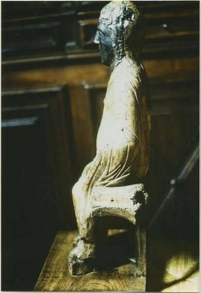Statue : Vierge en majesté, profil gauche, vue générale