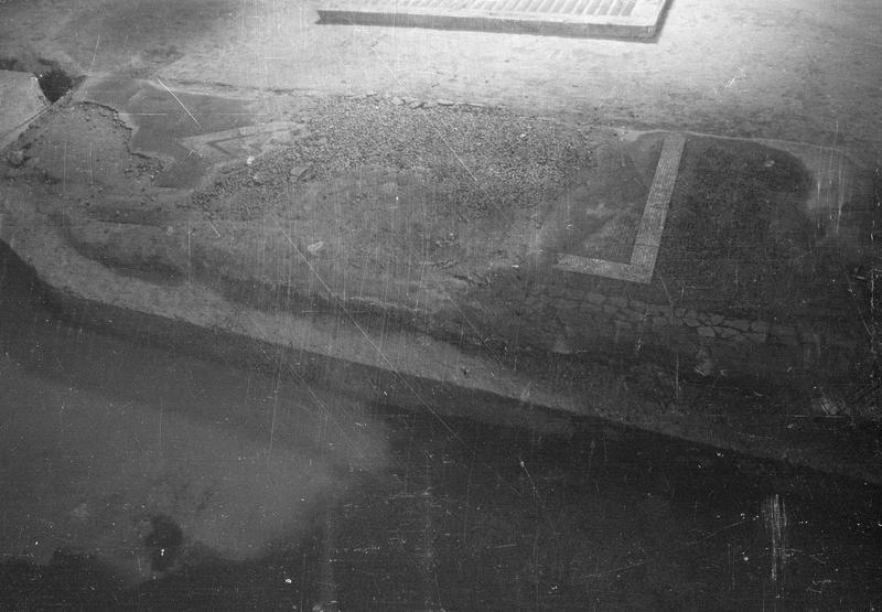 Château comtal, intérieur : sous-sol de la deuxième salle, détail de la mosaïque gallo-romaine
