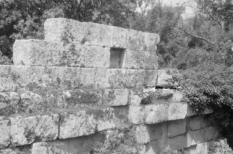 Mur ouest en ruines, vu de l'intérieur
