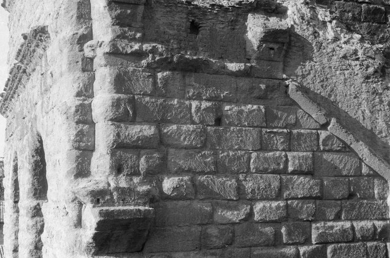 Basilicae ouest : détail du mur, angle sud-ouest