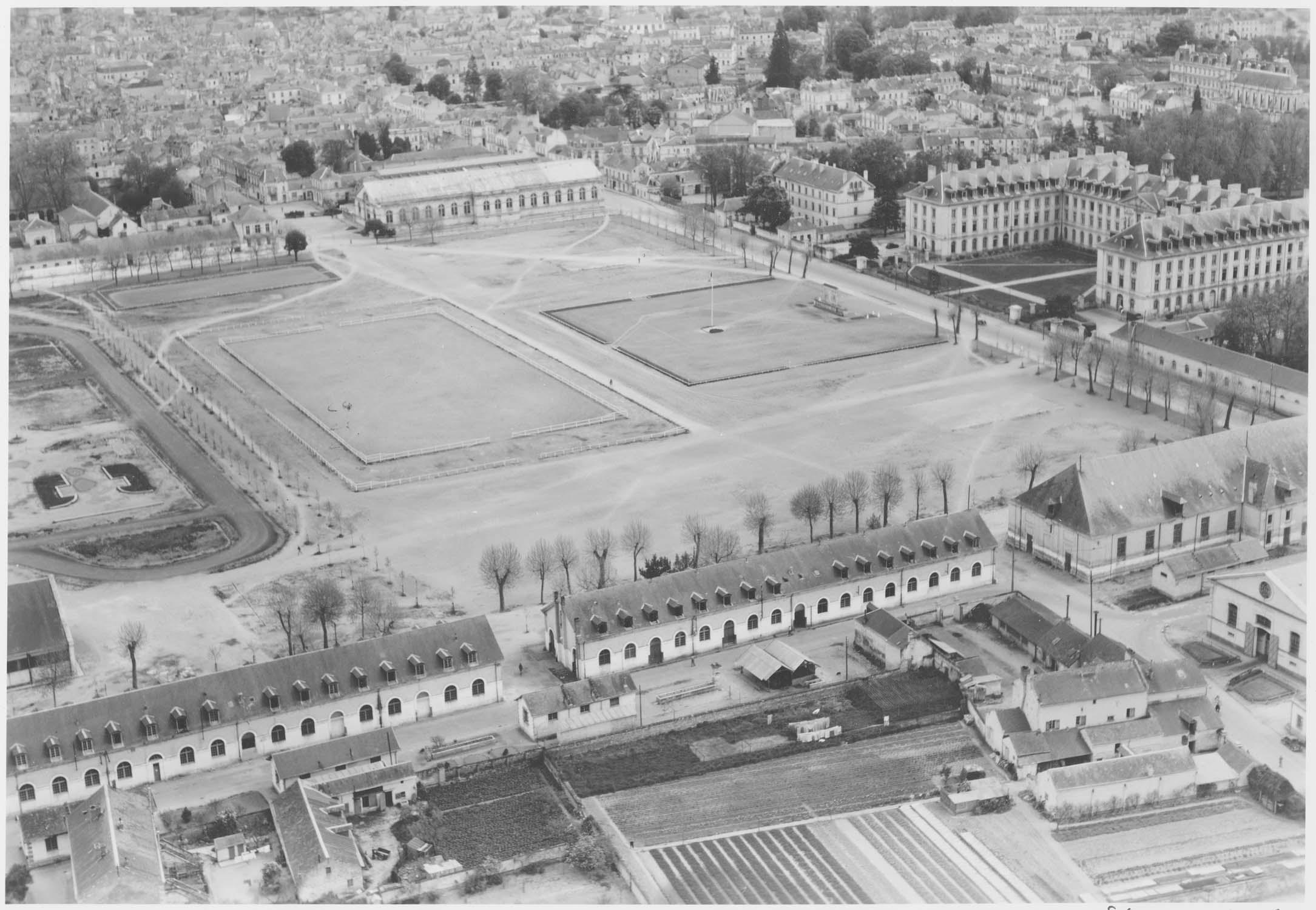 Cour de l'école de cavalerie