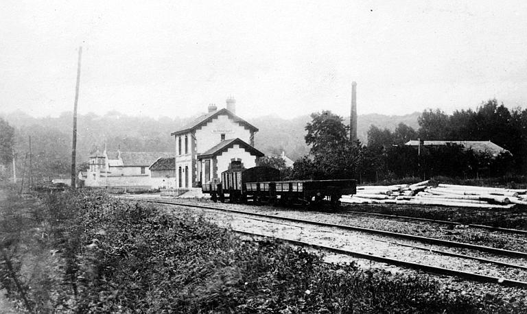 Gare de chemin de fer, avant la guerre