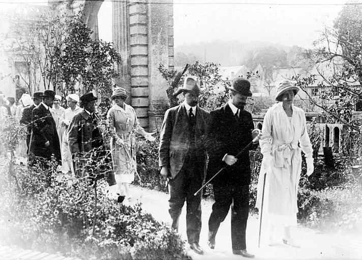 Fernand David, ministre de l'agriculture, Anne Murray Dike et Anne Morgan