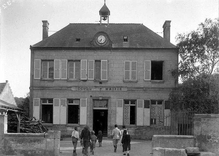 Ecole avant la guerre, ensemble