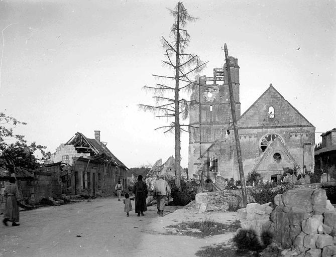 Ensemble des ruines, depuis le cimetière