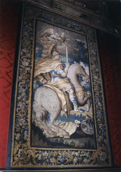 Pièce murale de la tenture des batailles d'Alexandre : Alexandre couronné par la Renommée, vueg énérale