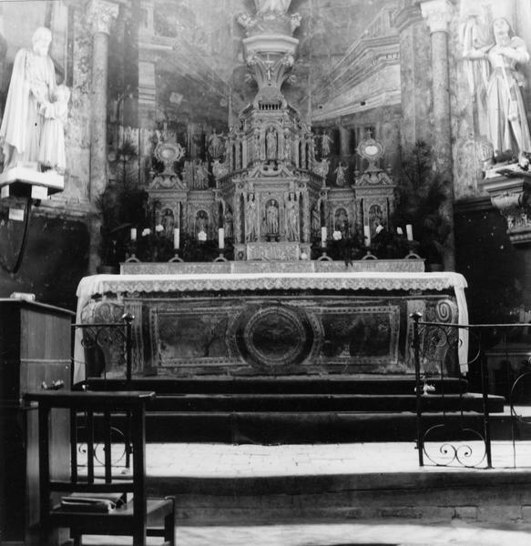 Retable, tabernacle, vue générale