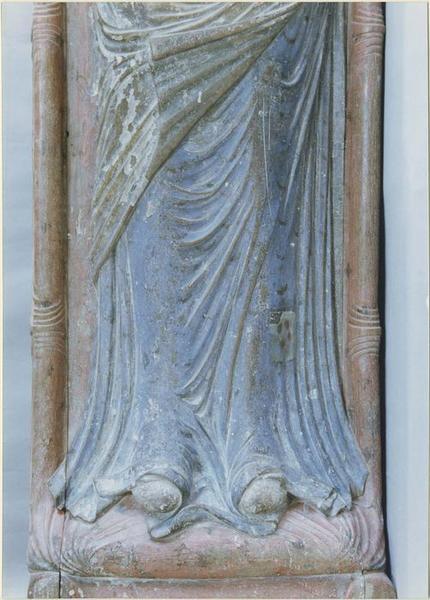 Statue funéraire d'Isabelle d'Angoulême, femme de Jean sans terre, détail