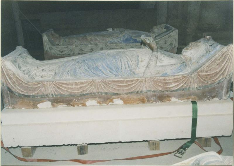 Statue funéraire d'Aliénor d'Aquitaine, femme d'Henri II Plantagenêt, vue générale