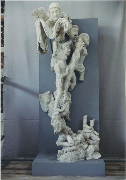 Groupe sculpté: Jugement dernier (fragments), vue générale