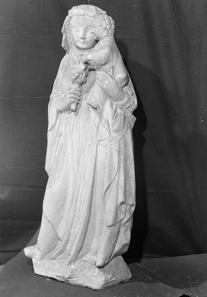 Statue en pierre de Courville : Vierge à l'Enfant, de trois quarts gauche