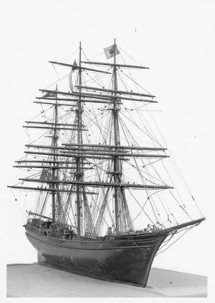 maquette ex-voto représentant le trois-mâts Marie, vue générale