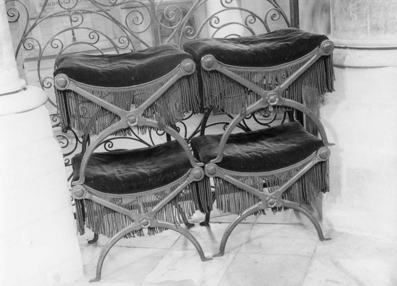 4 fauteuils, 8 tabourets