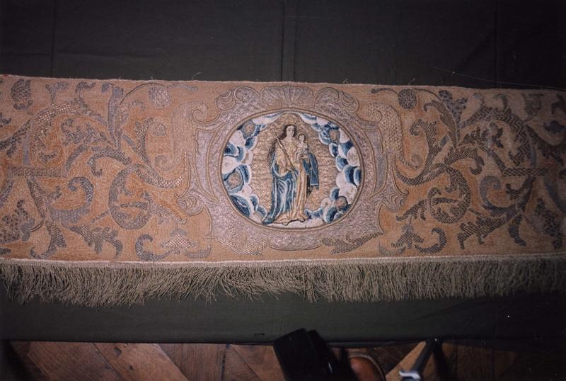 Garniture de dais de procession (pente)