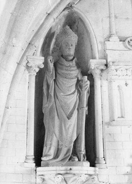 statue : saint Martin évêque, vue générale