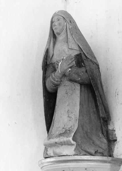 statue : sainte Catherine de Sienne, vue générale