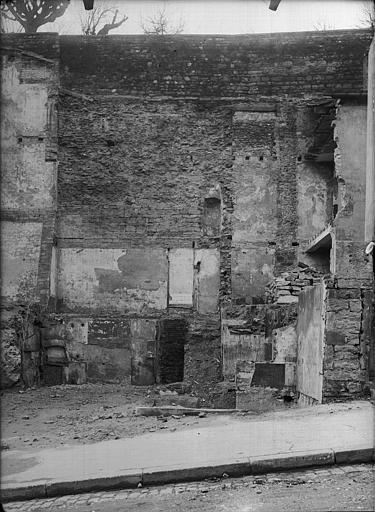 Mur romain ayant appartenu au forum, côté est