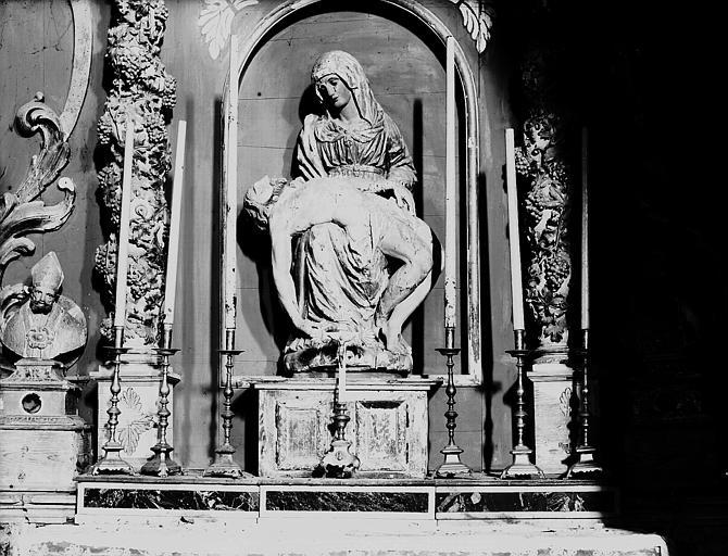 Groupe en bois peint et doré : Vierge de Pitié