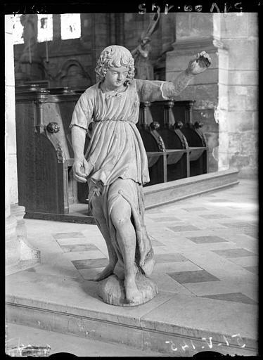 2 statues : Ange adorateur