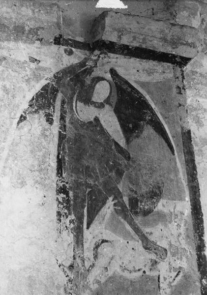 3 peintures monumentales : Saint Michel, Sainte Catherine
