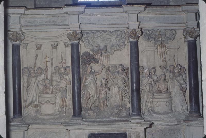 retable, 3 bas-reliefs de la chapelle des fonts baptismaux : le Baptême de Clovis, du Christ et de Constantin