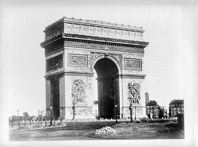Façade est en 1865