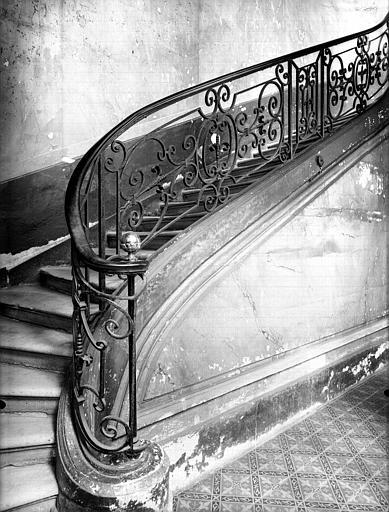 Rampe d'escalier en fer forgé : départ