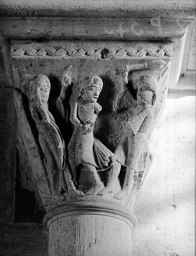 Narthex, chapiteau : Joseph jeté en prison
