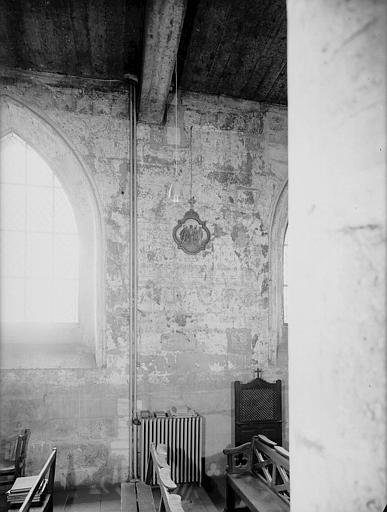Chapelle : peintures murales des parois latérales, côté droit, saint Georges terrassant le dragon