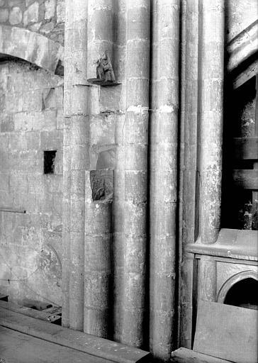 Intérieur, nef, côté sud : réfection des piliers, partie supérieure