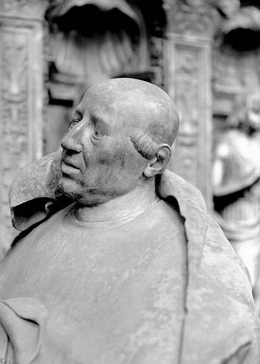 Tombeau des Cardinaux d'Amboise, statue orante de Georges Ier : buste de trois-quart