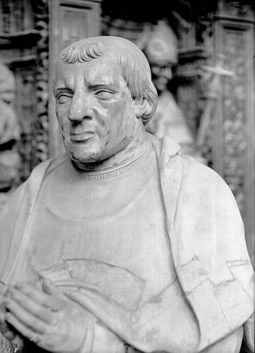 Tombeau des Cardinaux d'Amboise, statue orante de Georges II : buste de face