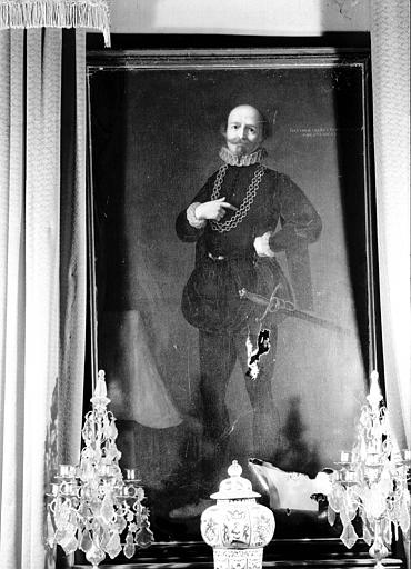Peinture sur toile située dans le Grand Salon : portrait en pied
