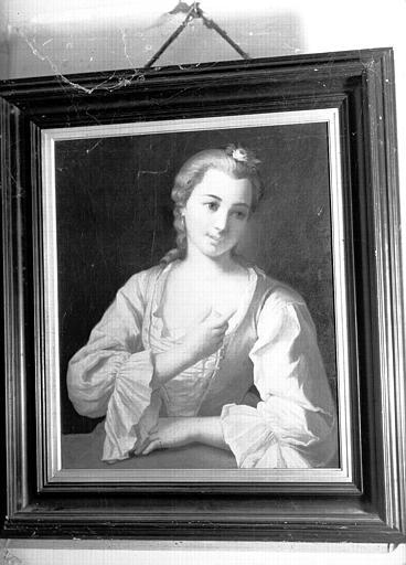 Peinture sur toile située dans la Grande Chambre d'Hiver : portrait de femme en buste