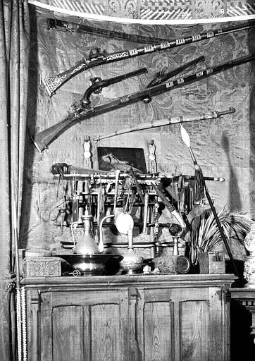 Panoplie 2 située dans la Chambre de l'Oncle