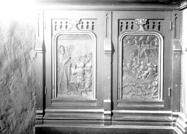 Tombeau d'autel formé de deux bas-reliefs en bois : Histoire de saint Gildas