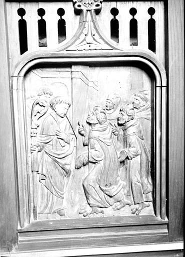 Tombeau d'autel formé d'un bas-relief en bois : Histoire de saint Gildas