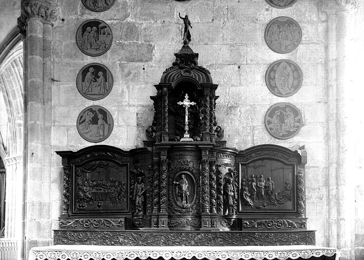 Autel, retable du Rosaire : la Cène, le Lavement des pieds, Dieu le père, le Christ entre deux anges