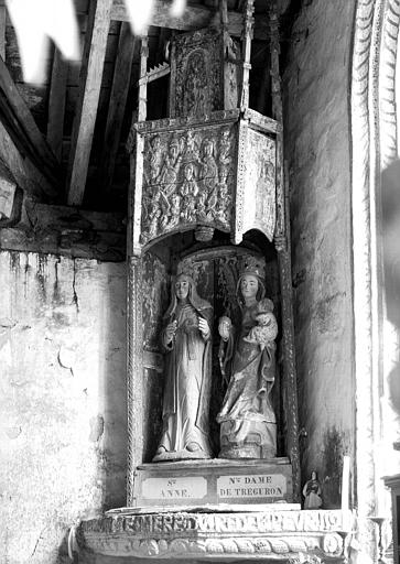 Deux statues sous un dais en bois sculpté : sainte Anne et Notre Dame de Tréguron