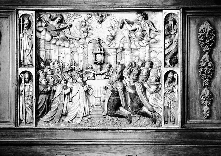 Panneau central du meuble de sacristie : Adoration du saint Sacrement