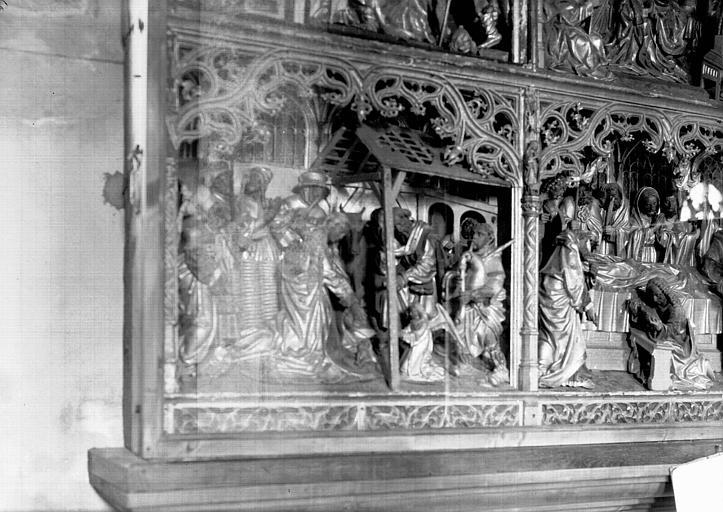 Retable de la Vierge, haut-relief, travail anversois, en bois doré : la Nativité