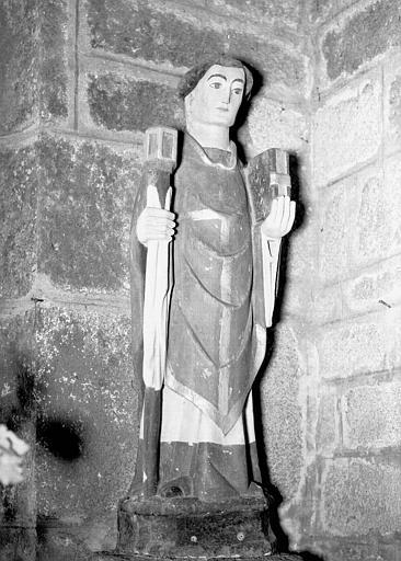 Statue en pierre : saint Herbot