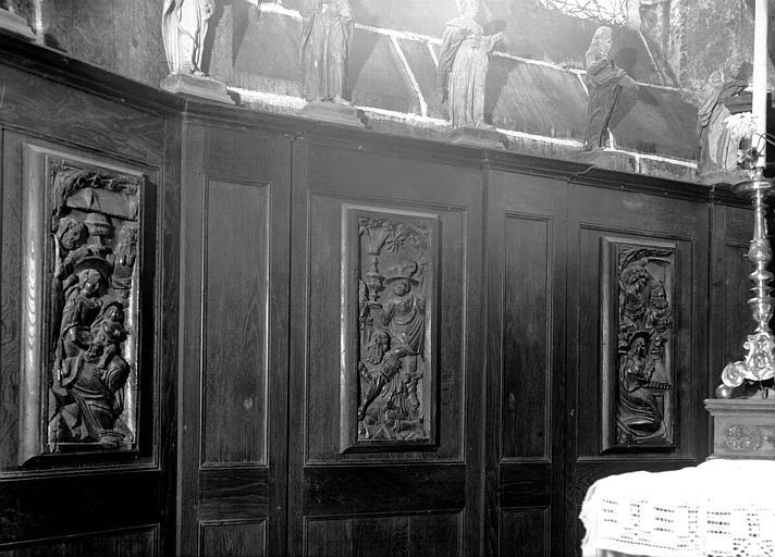 Bas-reliefs, panneaux en bois sculptés