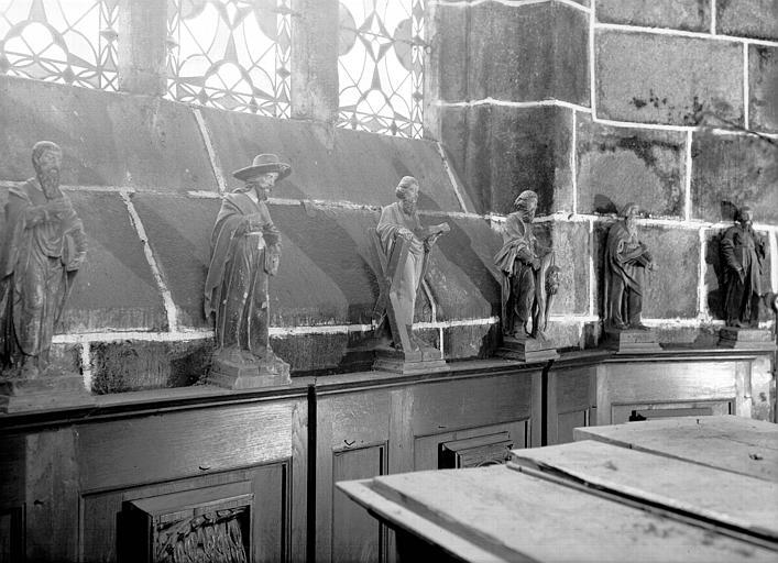 Quatre statuettes en bois : Apôtres